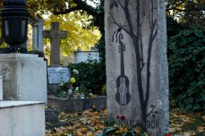 guitar grave stone