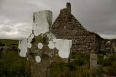 cross and church ruins, Doolin