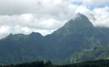 pyramid point, kuilau trail