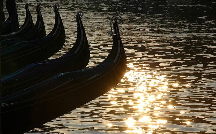 gondolas at dawn 3