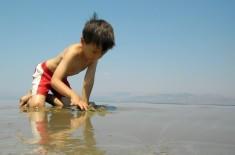 Playing in the sand, Kalamaki