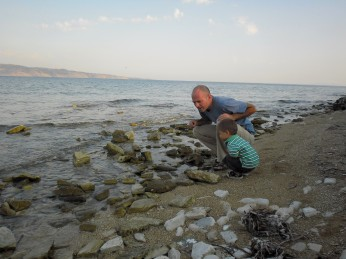Looking for sea creatures, Kouloura