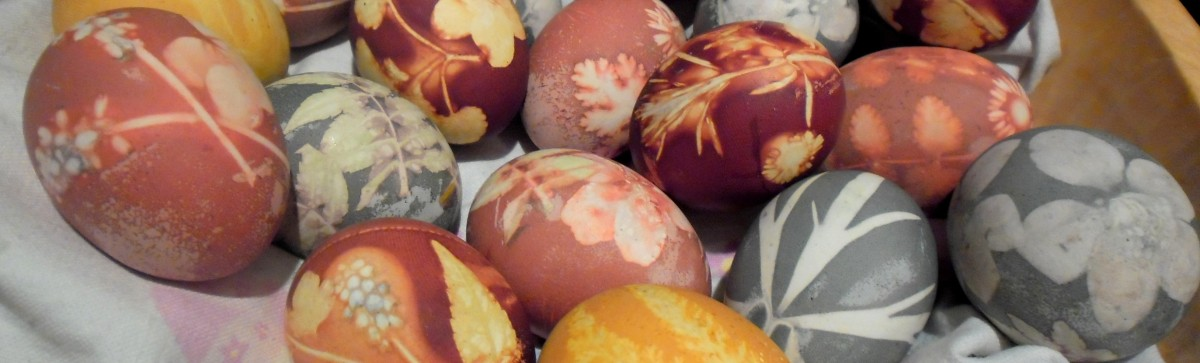 How to Make Super-Groovy, All-Natural Easter Eggs