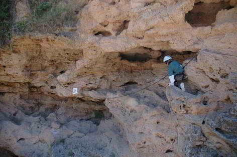 D traversing ledge