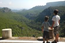 boys overlooking prades mountains