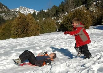 boys sledding2