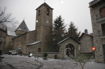 church, benasque in snow